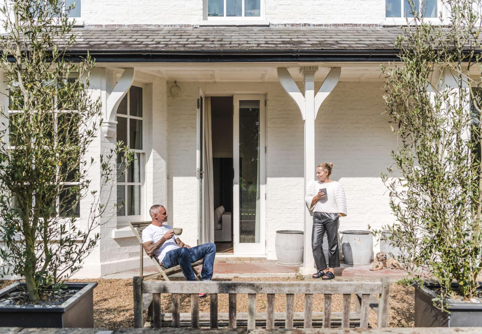 anna and willie mcdougall cambridgeshire estate via the modern house 1 1536x1066