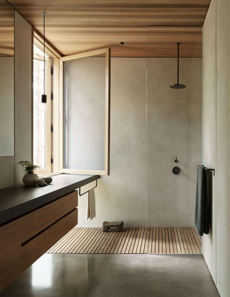 mwworks' Whidbey Island Farmhouse, Bathroom