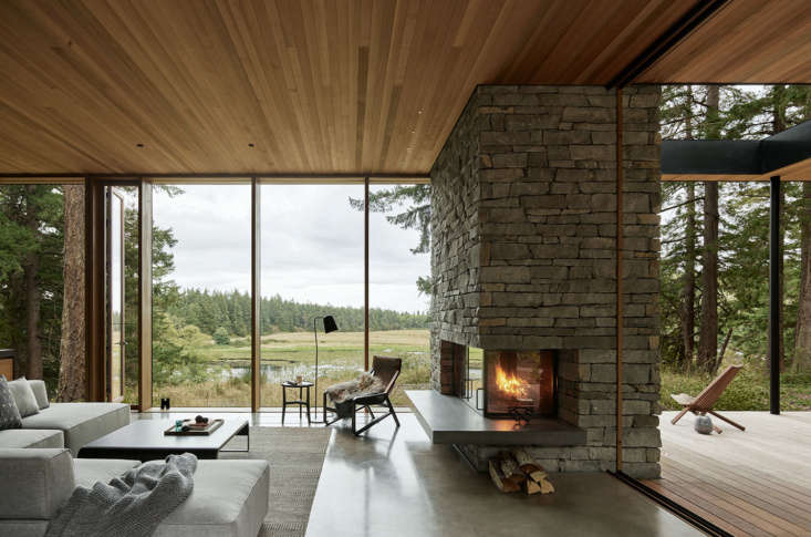 mwworks' Whidbey Island Farmhouse, Living Room
