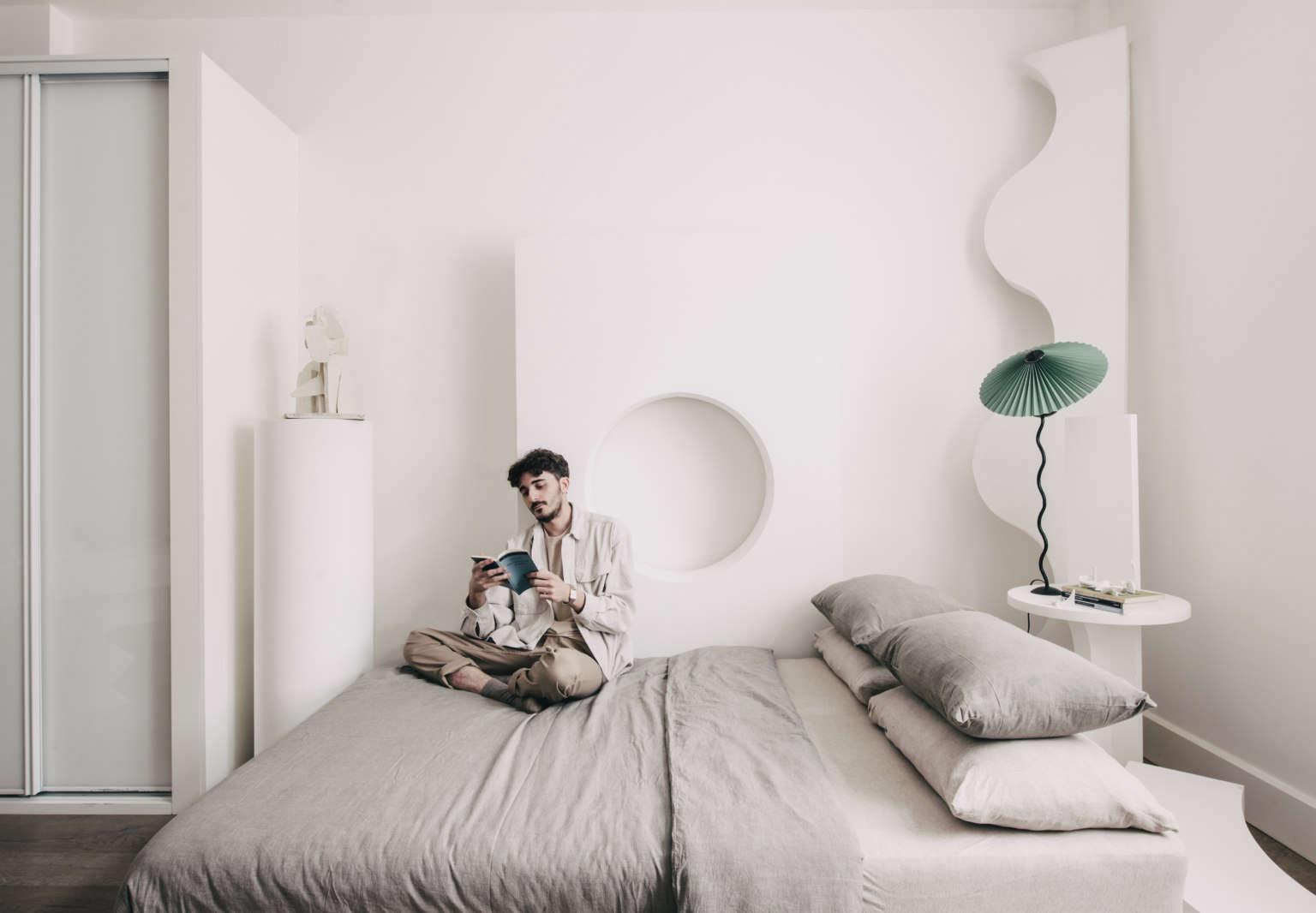 designer oscar piccolo at home london via the modern house 7