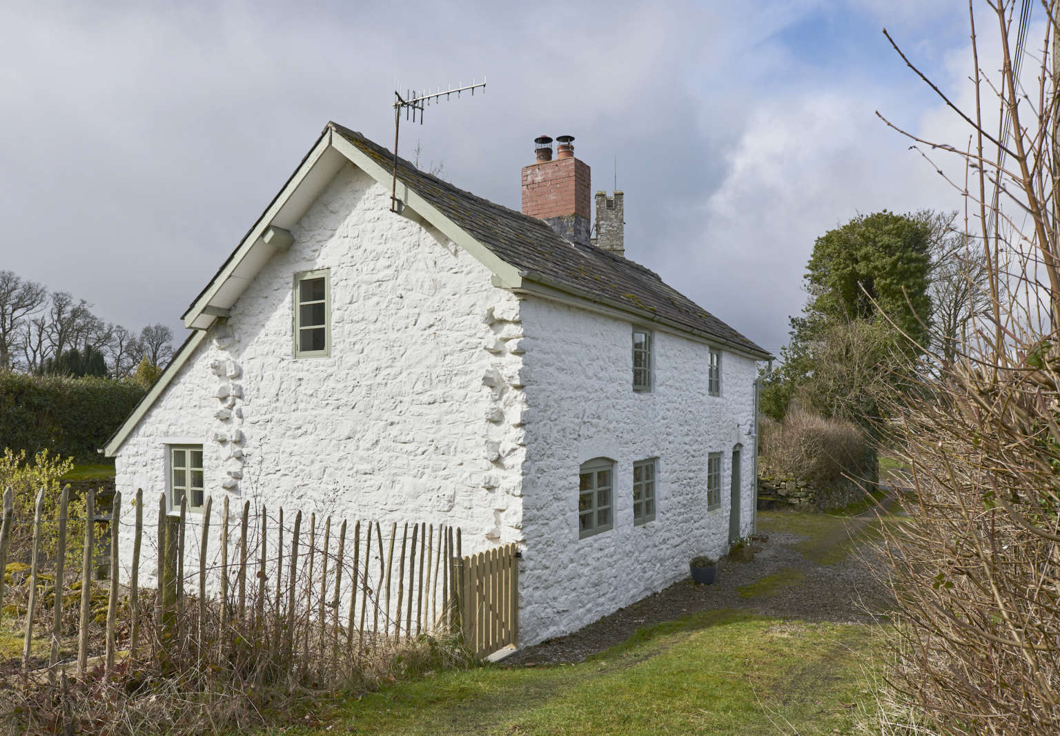 harp cottage justine cook modern house exterior