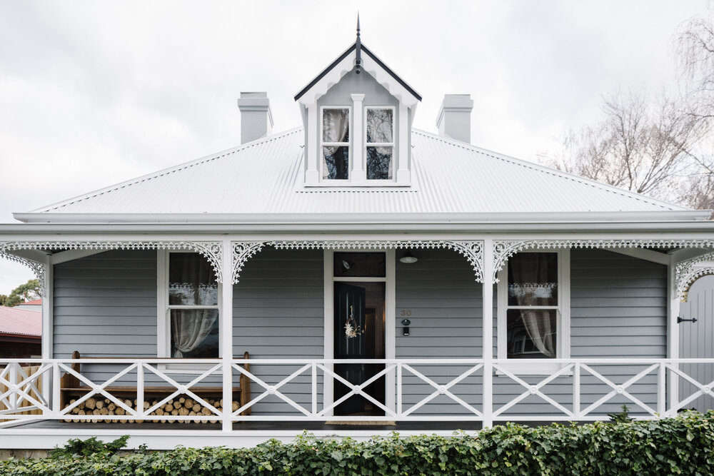 Lumire Lodge A Couples Thoughtfully Hued Antique Cottage Down Under portrait 3