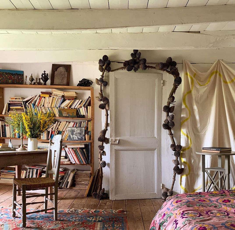 pine bough doorway diy atelier vime hero