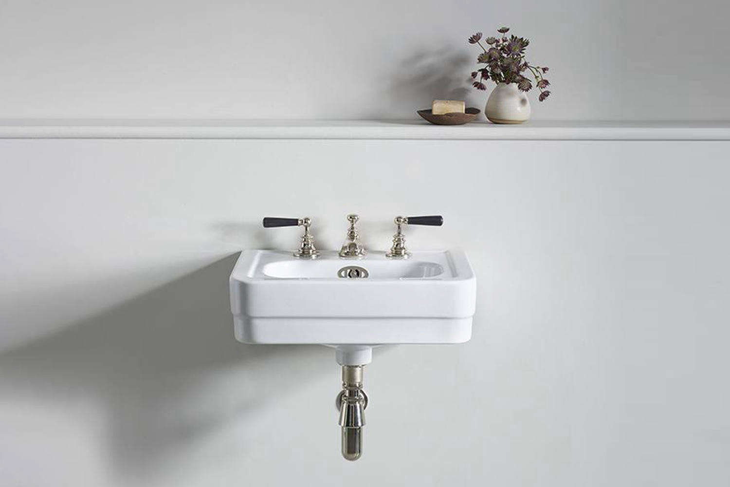 10 Easy Pieces Traditional Wall Mounted Bath Sinks Remodelista