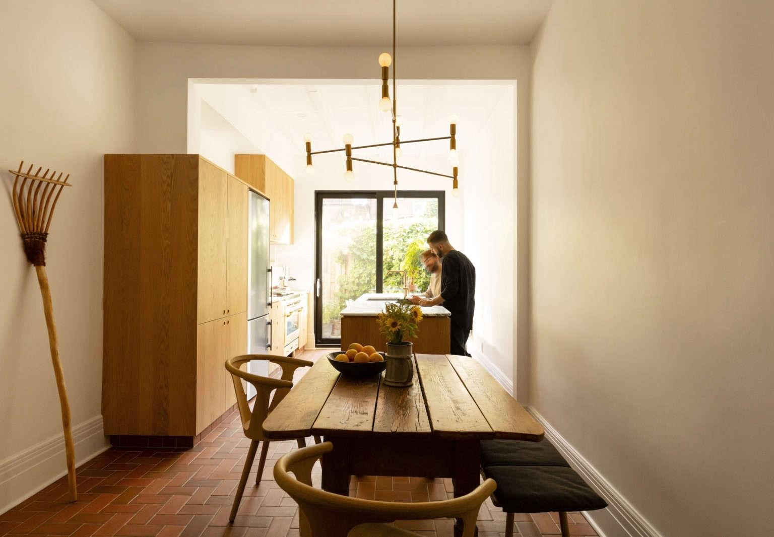 maison boutique coloniale montreal michael godmer house tour kitchen4