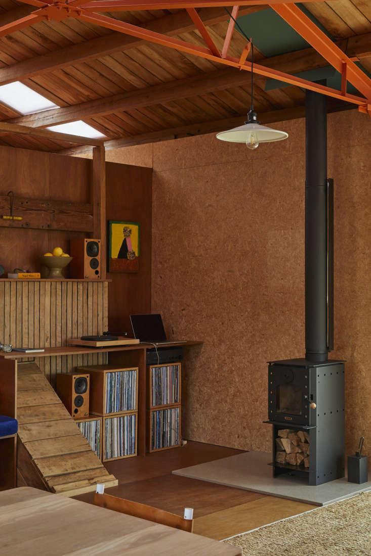 Shearing shed living area, architect Ben Daly, Palace Electric, NZ. Sam Hartnett photo.