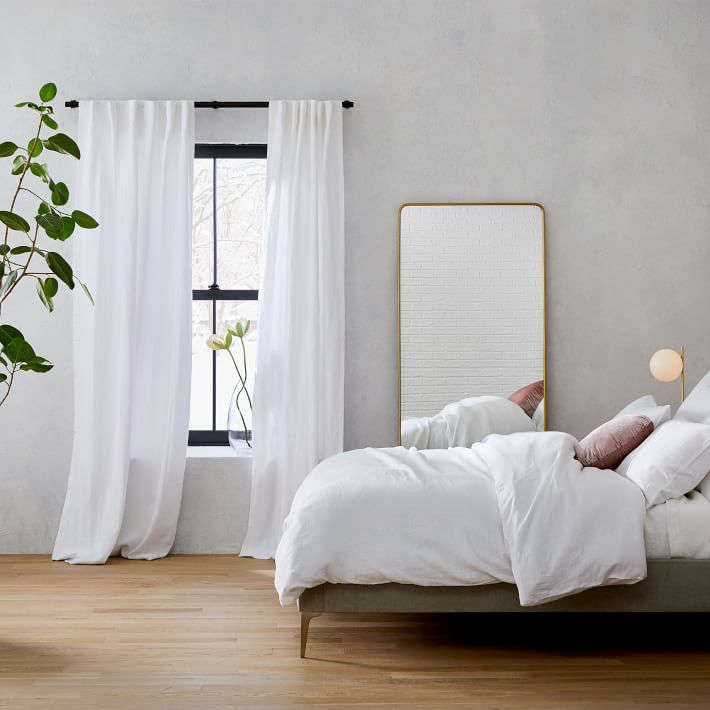 10 Easy Pieces Simple White Linen Curtains Remodelista