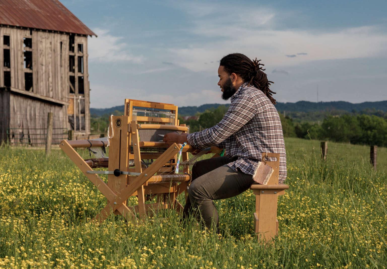 berea college student weaver at work 1 1536x1066