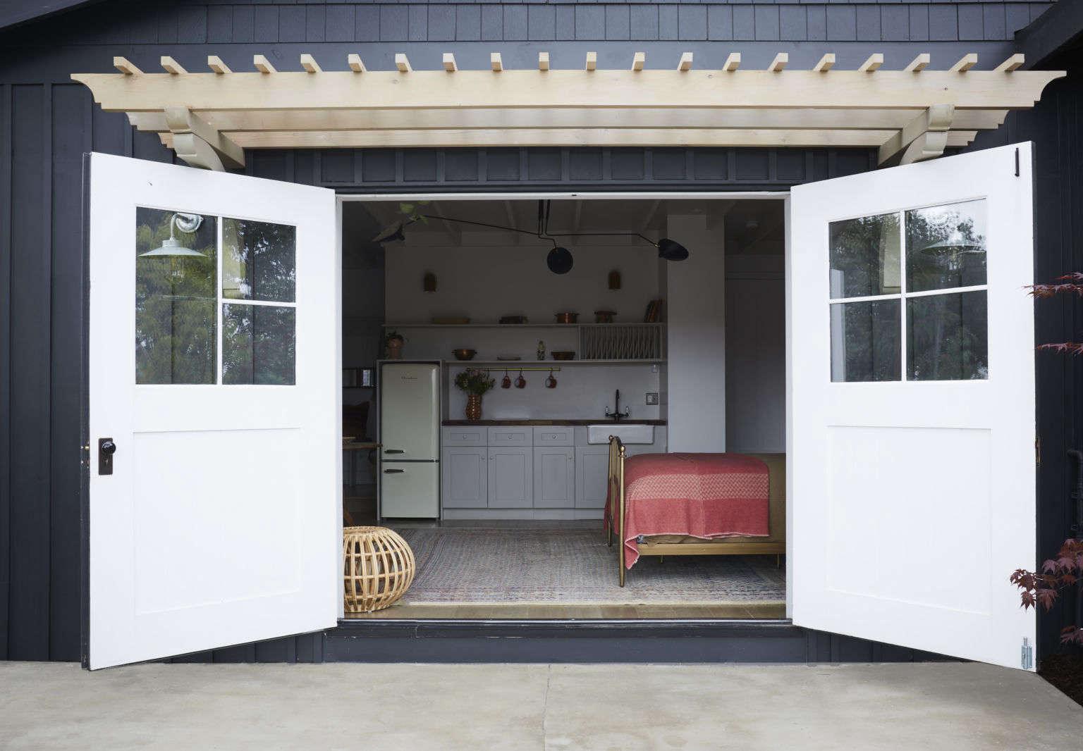 guest house garage coversion la shantyi wijaya allaprace properties 1