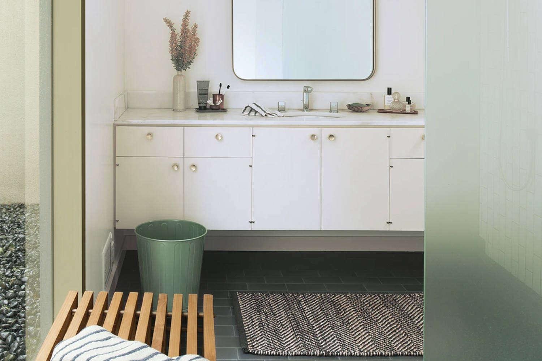 10 Easy Pieces Bathroom Waste Bins portrait 3