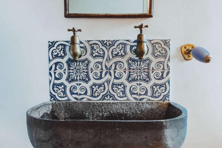 also beside the sink: a wall mounted soap holder by la maison du savon de marse 19