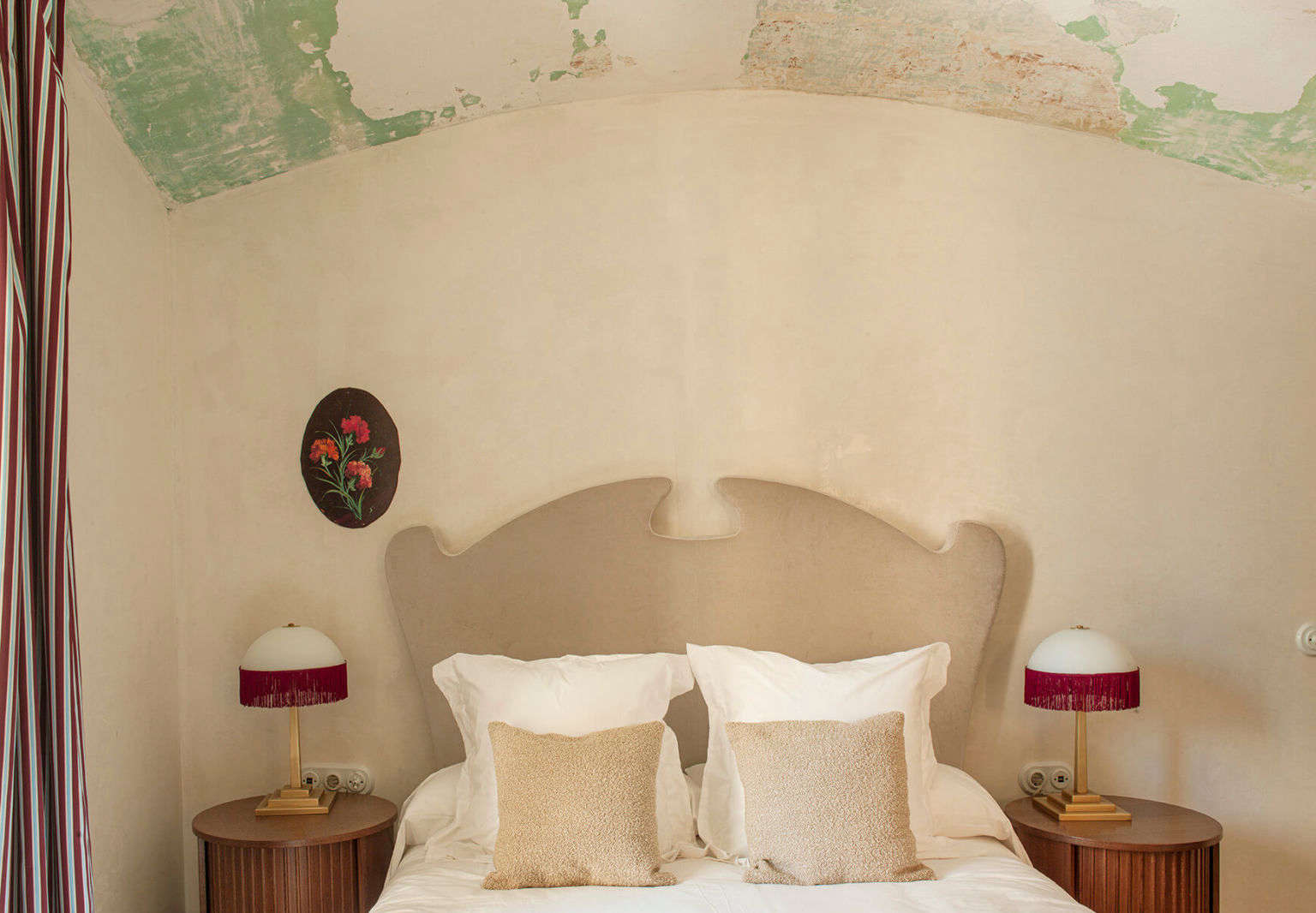shaped headboard la bionda hotel begur spain quintana partners design 1536x1066
