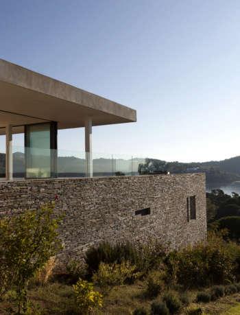 Plane House Exterior - K-Studio's Projects