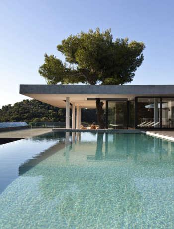 Plane House exterior - K-Studio Projects