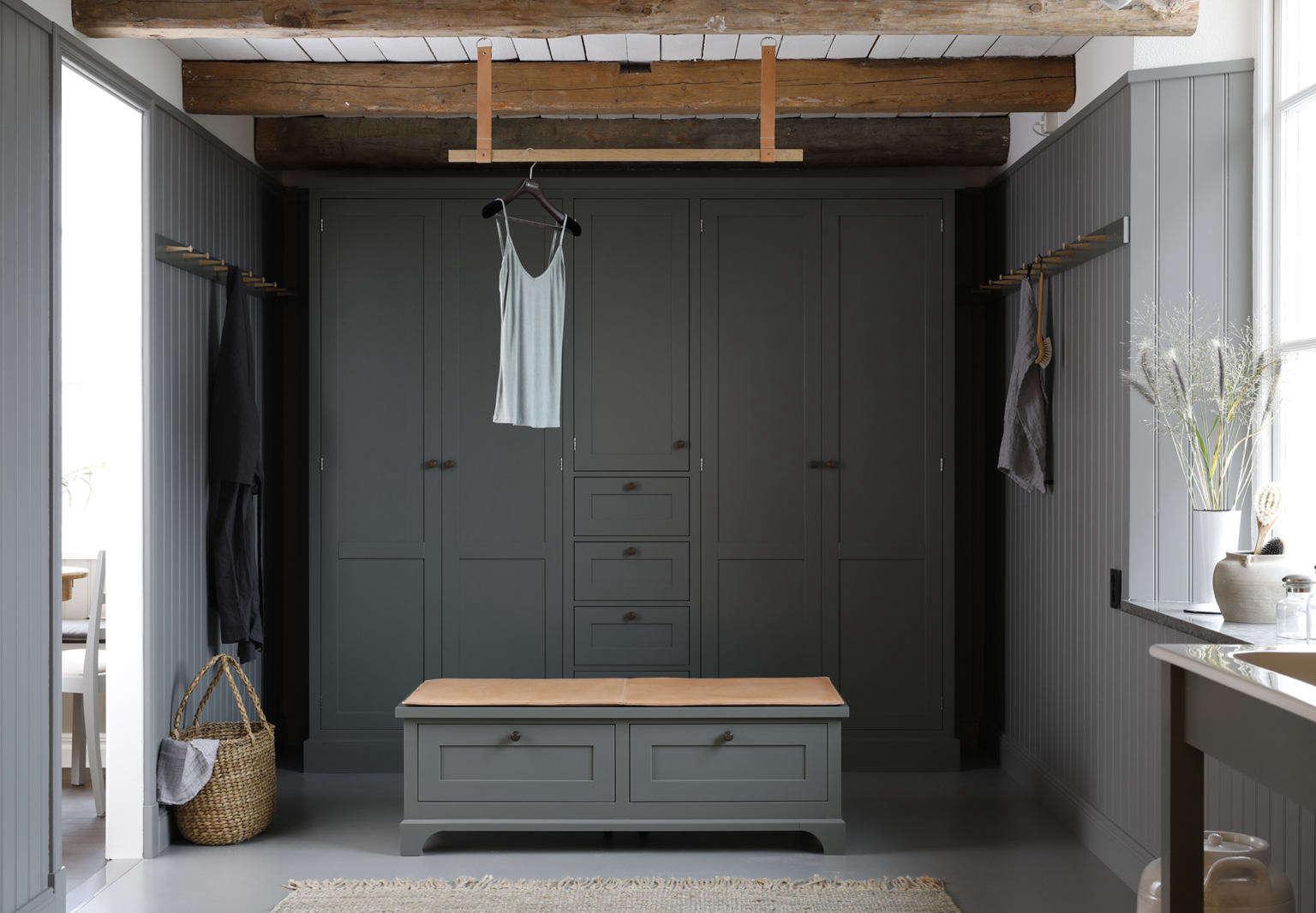 kvanum ekeby modern dressing room with sink 3