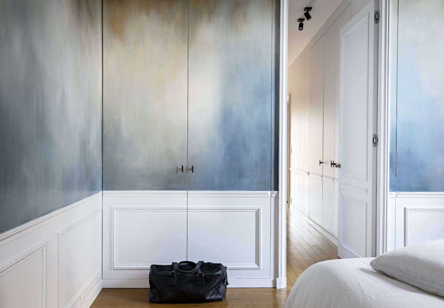 olivia massimi paris apartment mural
