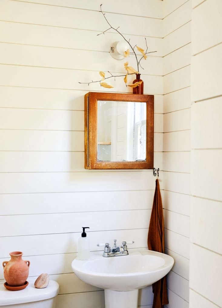 &#8\2\20;my husband redid the downstairs half bath, putting up floor to cei 18