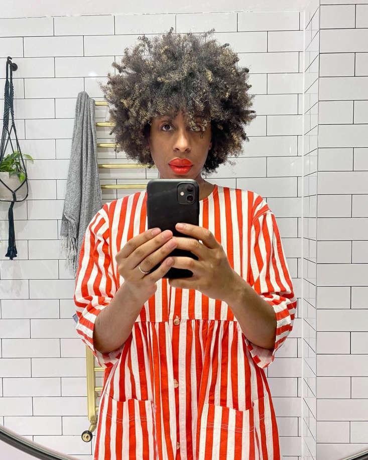 Ferren Gipson selfie in her remodeled bathroom, London.