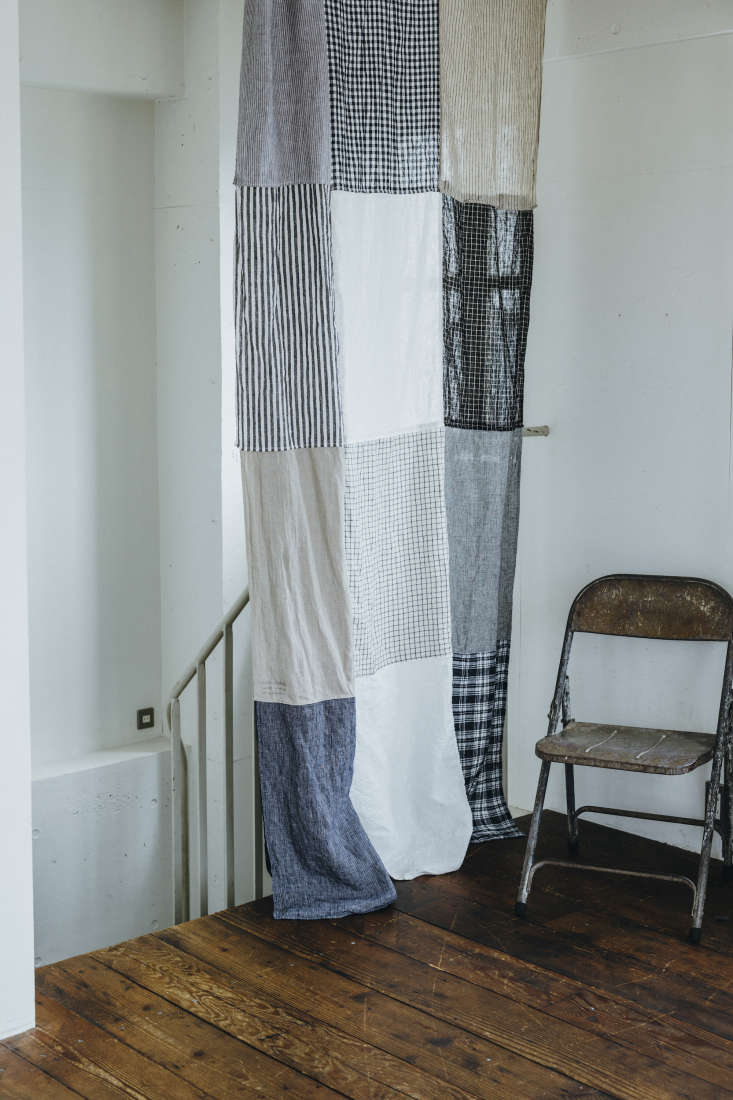 the home of fog linen founder yumiko sekine features a diy patchwork curtain ma 17