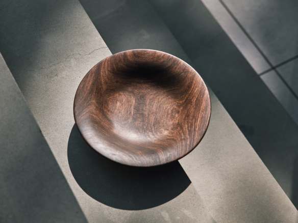 Hand Carved 10  in. Redwood Bowl