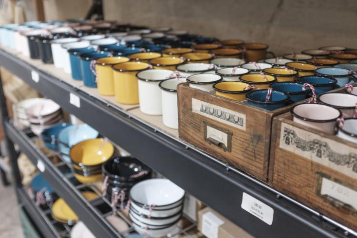 Utilitario-Mexicano-enamelware-mugs-bowls