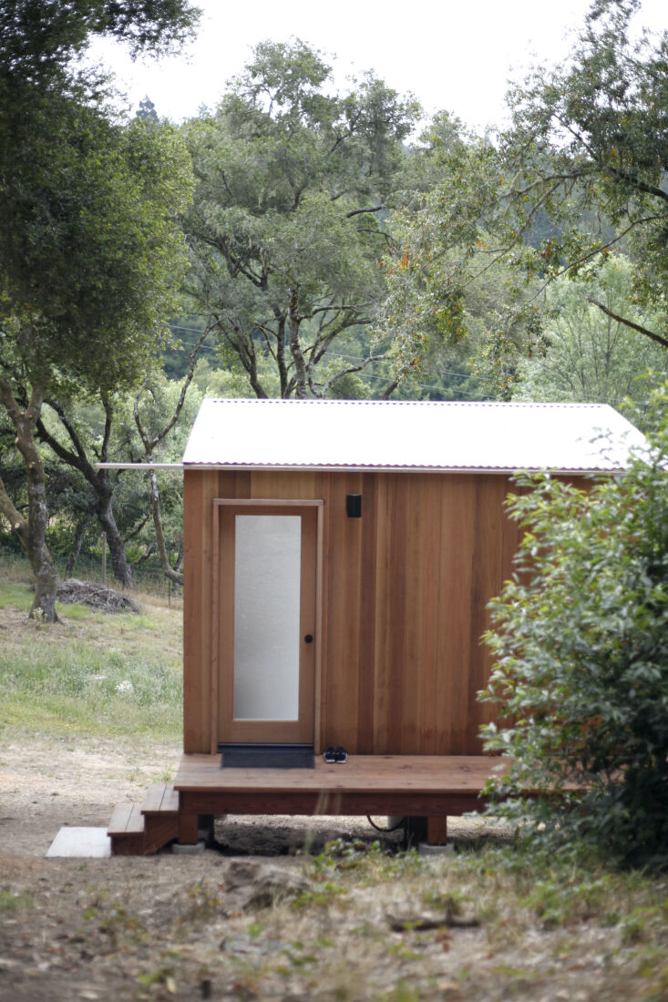 Current Obsessions Upcycled Finds Guest cabin, Sonoma, California, by Designers on Holiday.