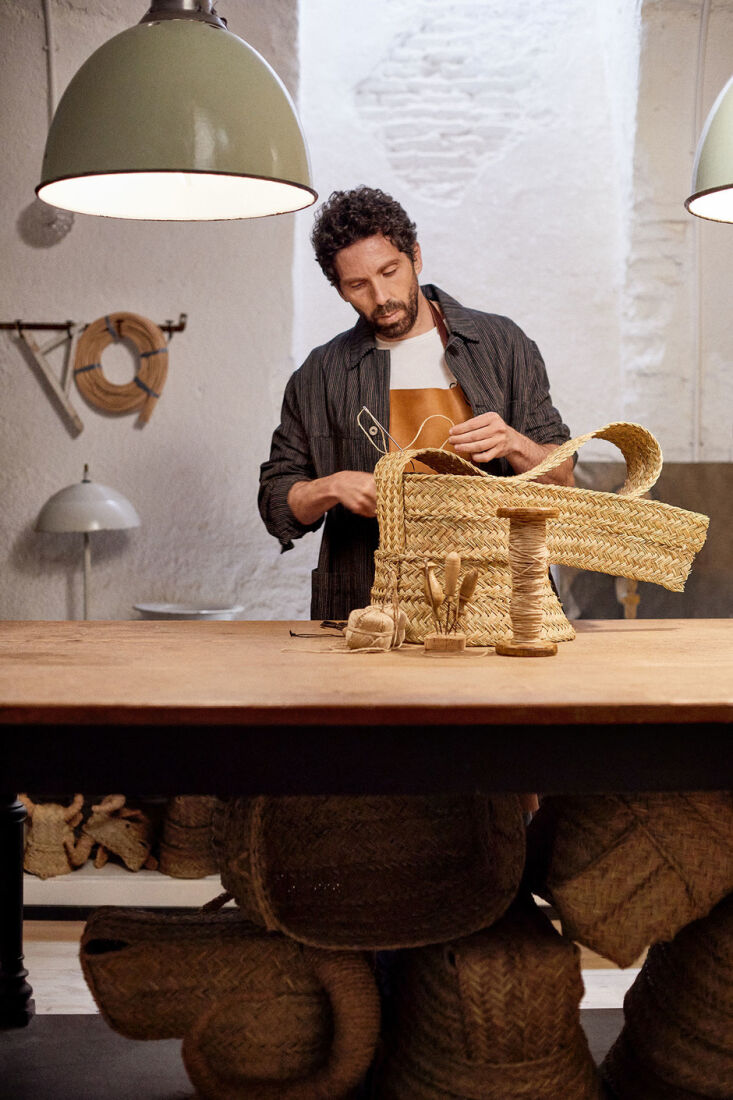 Madrid Artist Javier S Medina The Master of the Woven Grass Eco Trophy Visitors to Medina&#8\2\17;s shop get to see him at work. He only uses natural materials: esparto grass, bamboo, wicker, and rattan, and stitches his animal heads together with twine. Photograph via CN Traveler España.