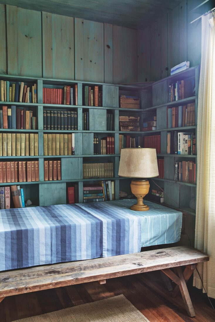 Required Reading A Glimpse Inside The Maine House Blue has become the house&#8\2\17;s motif, inspired by the unusual tint of the walls. Here: a corner of the library.