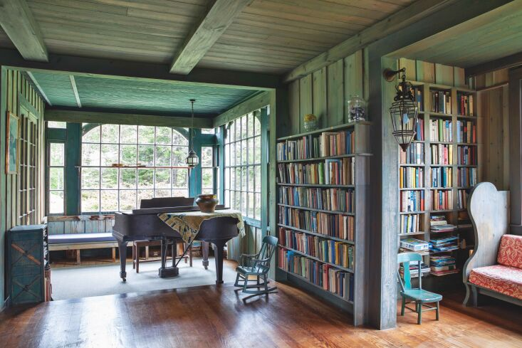 Required Reading A Glimpse Inside The Maine House The house&#8\2\17;s original wall color—an intriguing, weathered blue green—is unchanged. Jim&#8\2\17;s grandmother &#8\2\20;specified the stain herself—a mix of Prussian blue, yellow ochre, linseed oil, and turpentine,&#8\2\2\1; according to The Maine House.