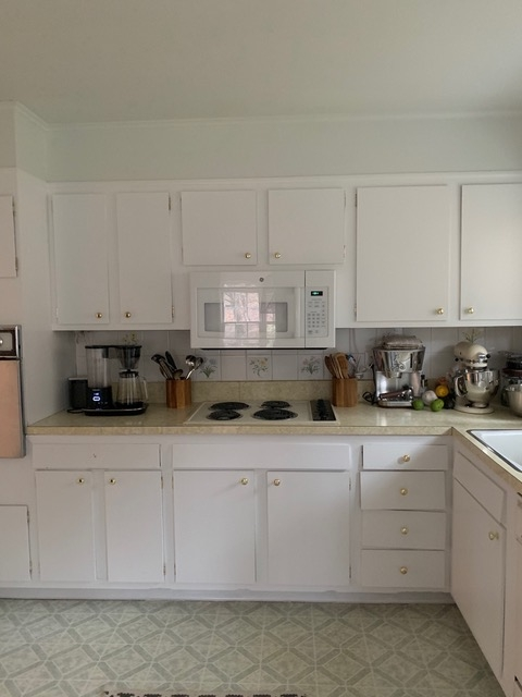 Kitchen of the Week In Connecticut a Japanese and MediterraneanInspired Room Tina Rich Designed Mallard Drive Kitchen Before