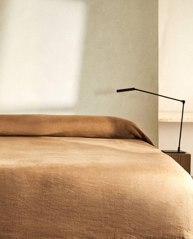 zara home linen bedspread