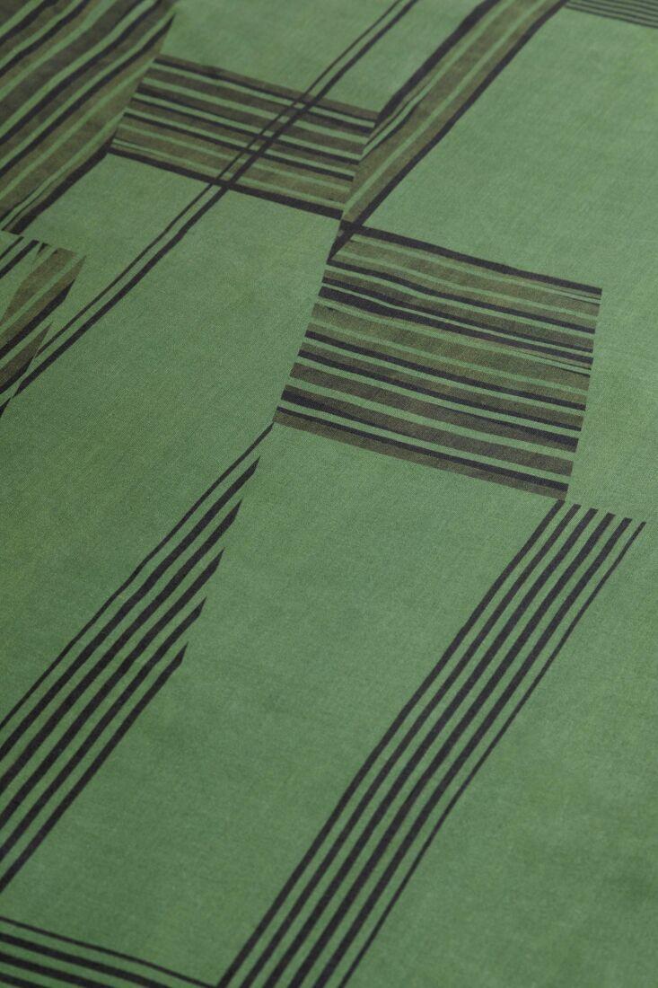 colour squatters tablecloth 3