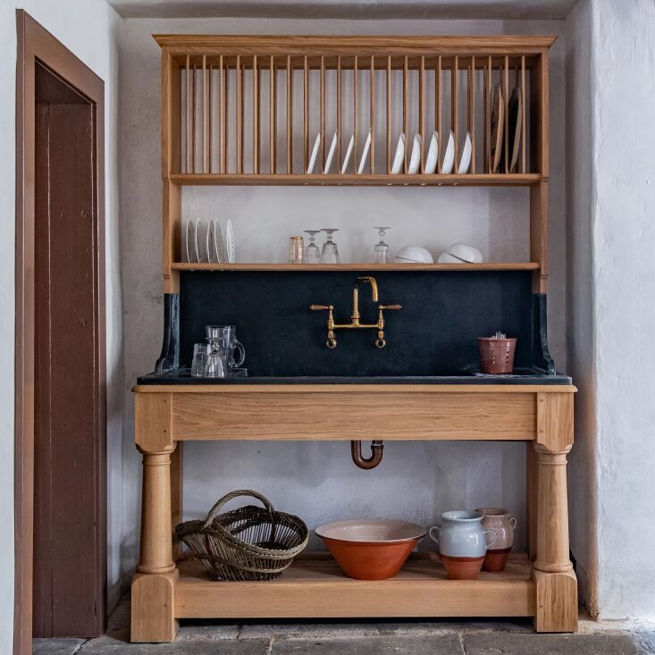 inspired by designs in grand country house kitchens, the vaisselle dresser is m 13