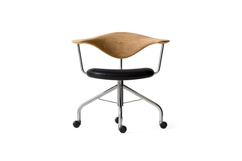 Hans Wegner Swivel Chair PP Mobler