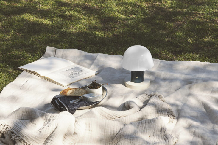 and another portable, cord free design: the setago table lamp by & traditio 14