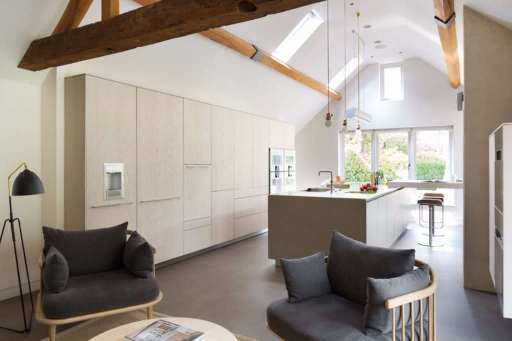 kitchen/soft seating area 10