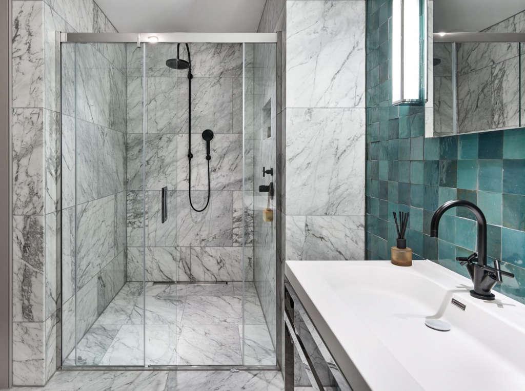 master en suite shower room 14