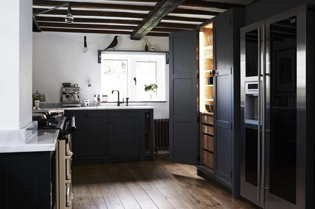 thatched cottage kitchen 02 10