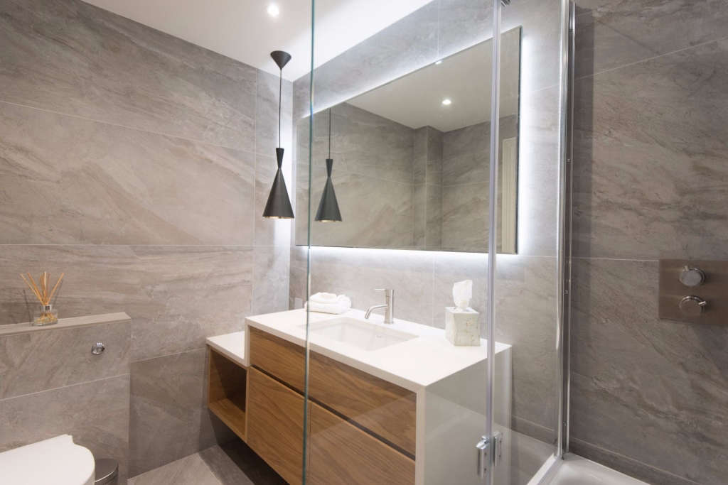 en suite bathroom   lighting 9
