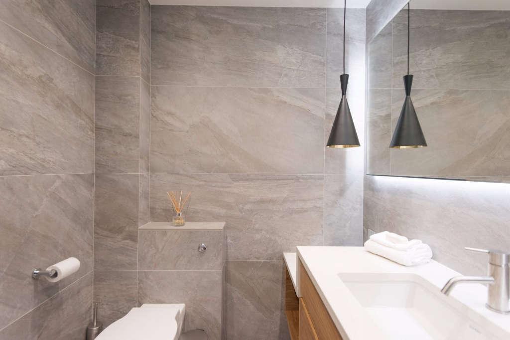 en suite bathroom – tiles 10