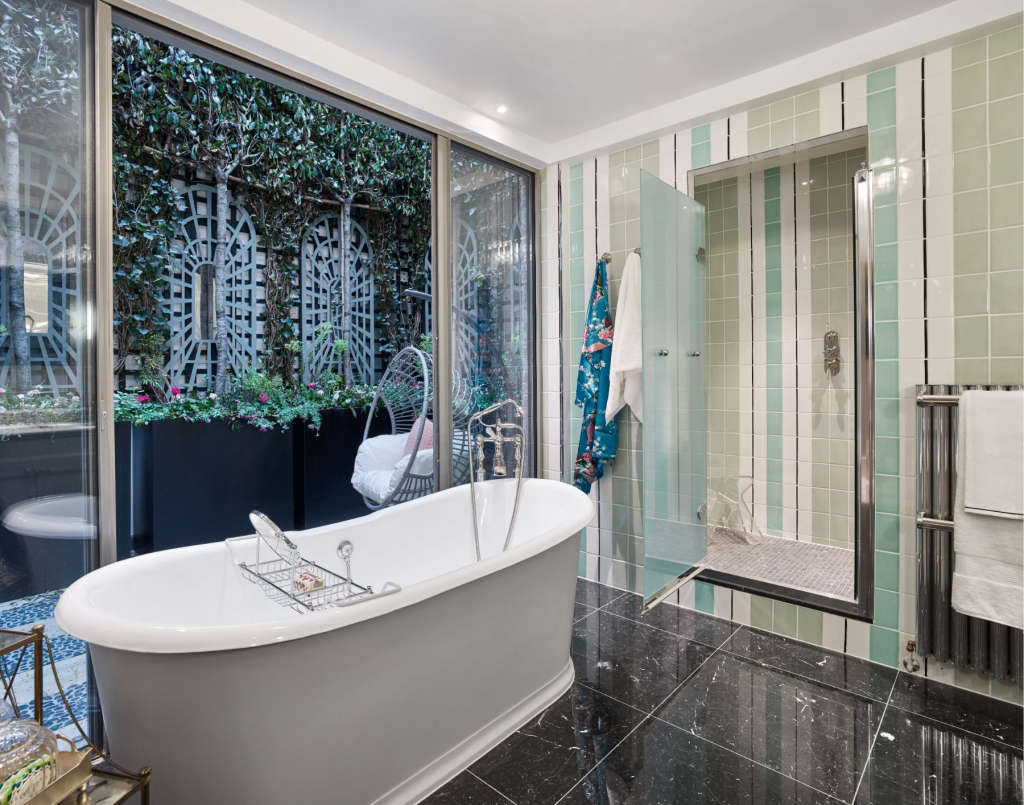 bathroom with private terrace 15