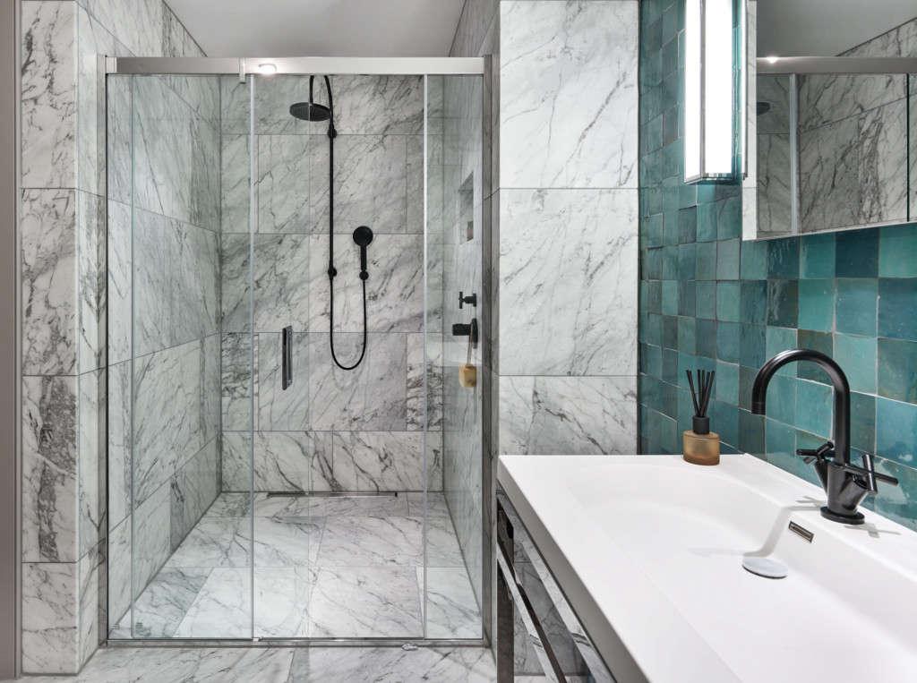 master bathroom   global traveller 10
