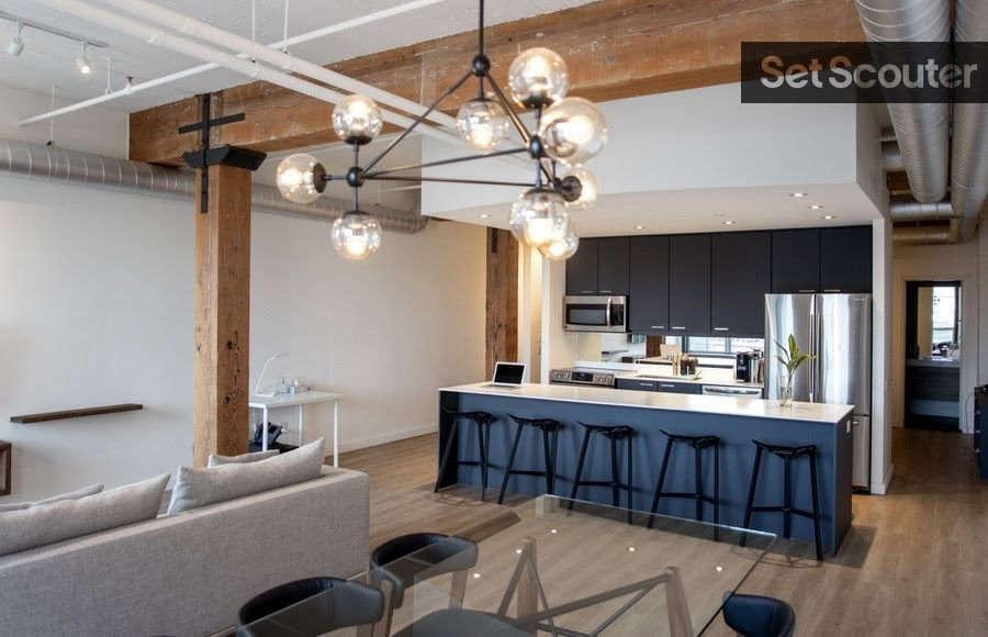 modern loft   open concept living / dinning 10