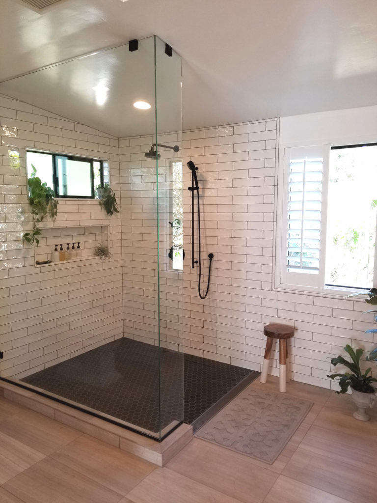 open and airy shower 13
