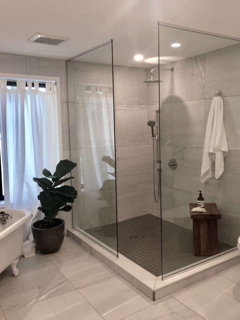 modern farmhouse bath   shower 12