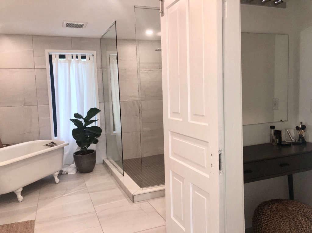 modern farmhouse bath   vanity room 14