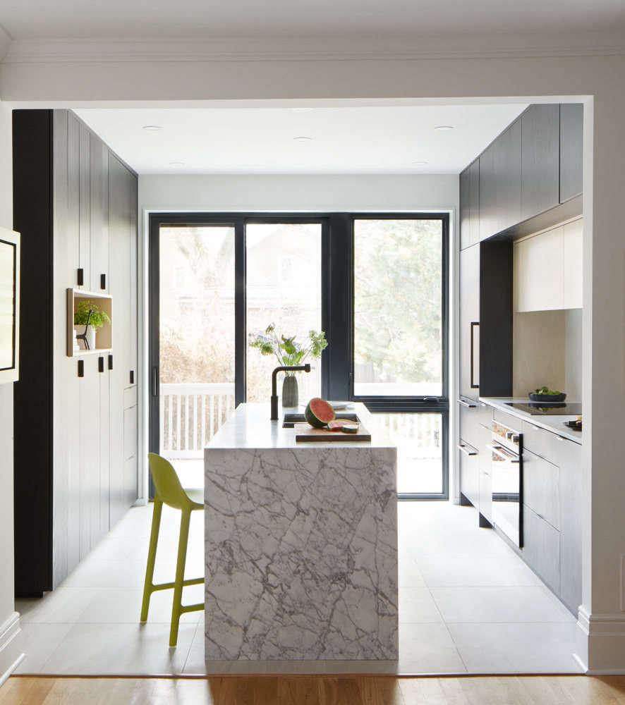a bright + modern kitchen 9