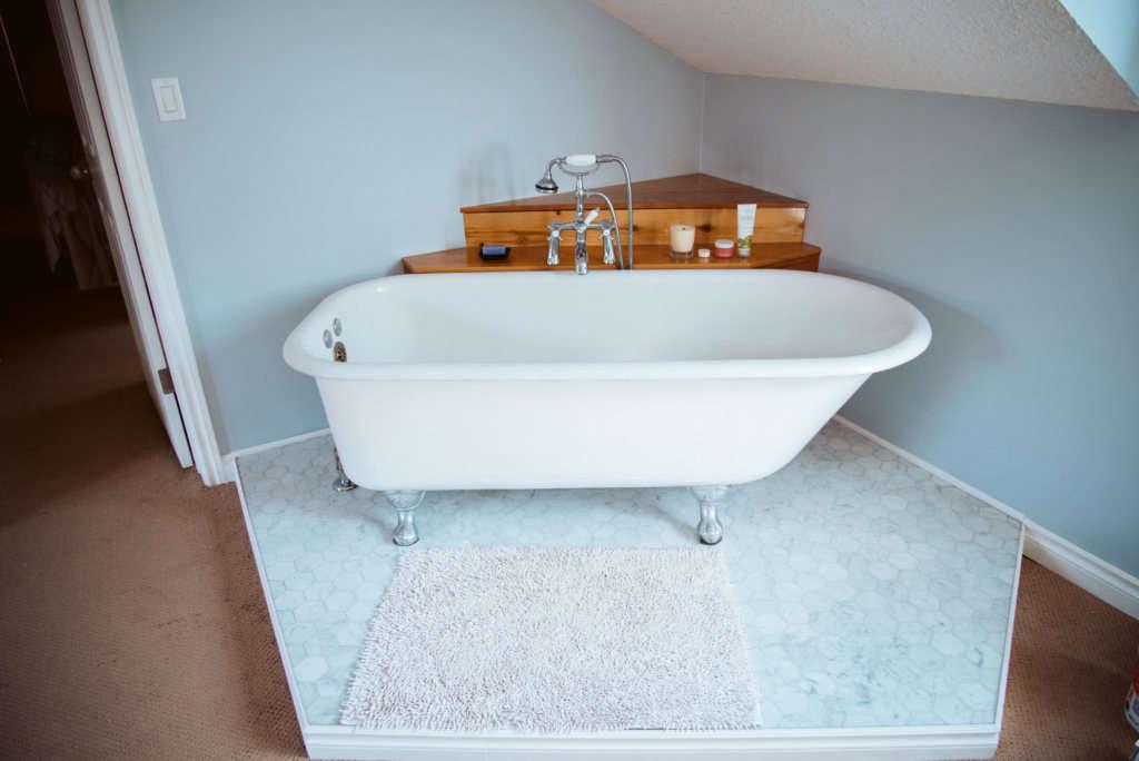 antique claw foot tub 10
