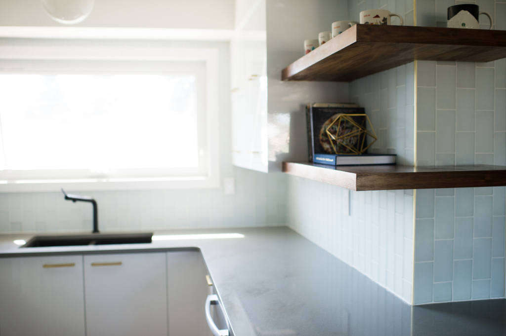 kitchen 3   floating shelves 11