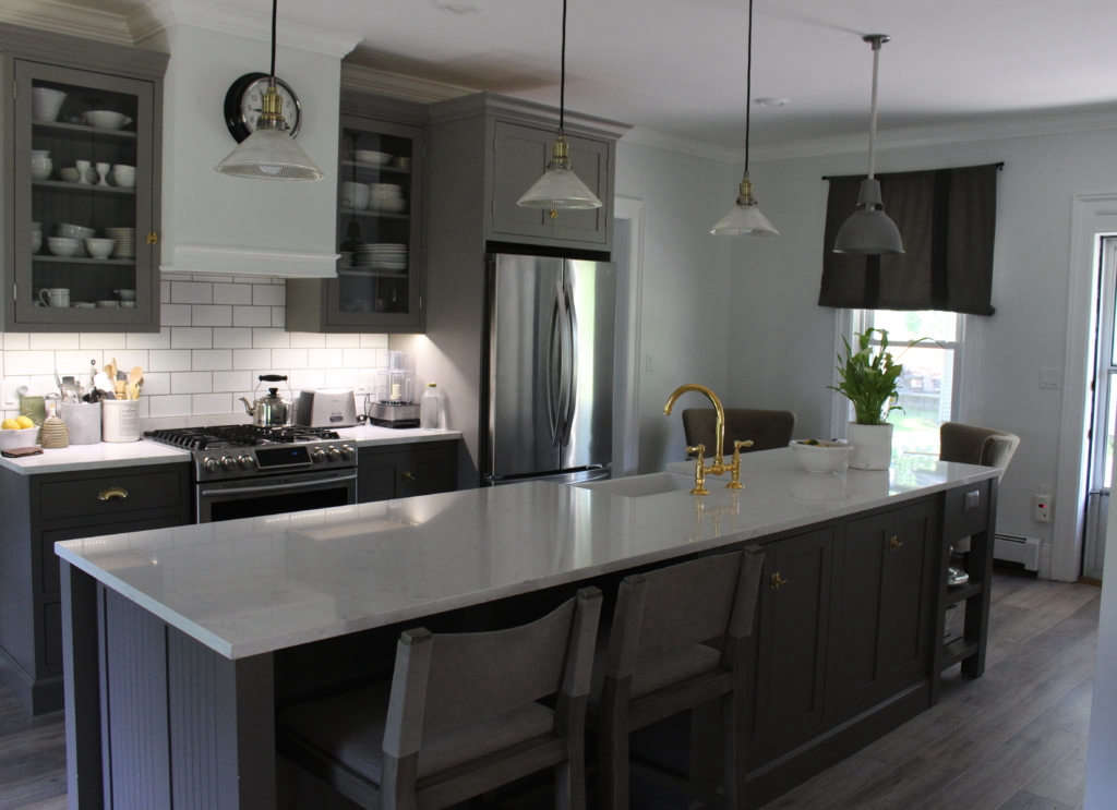 the fitted kitchen: island view 9